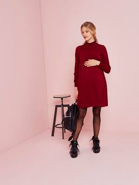 Maternity-Dresses-Long-Sleeved Plumetis Maternity Dress