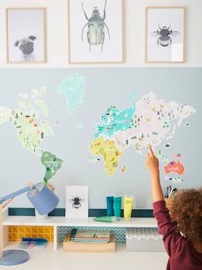 Bedding & Decor-Decoration-World Map Magnetic Board + 23 Animal Magnets