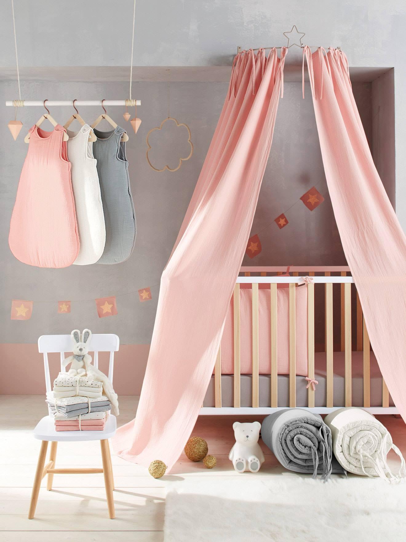 Canopy Cradle, Decoration