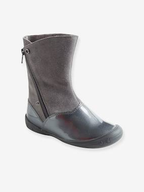 Outlet-Adaptable Boots for Girls